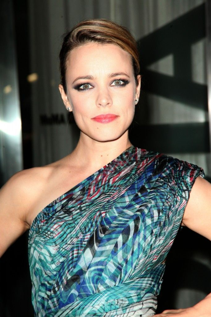 Rachel McAdams - like the pattern and style of the top (dunno if it's a dress)