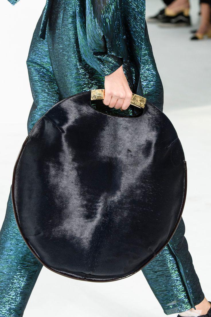 Le sac rond XXL de Delpozo