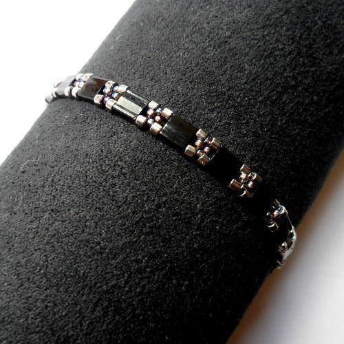 Free Tila Bead Projects | Beadwoven Treasure-Simple Tila Bracelet | JewelryLessons.com