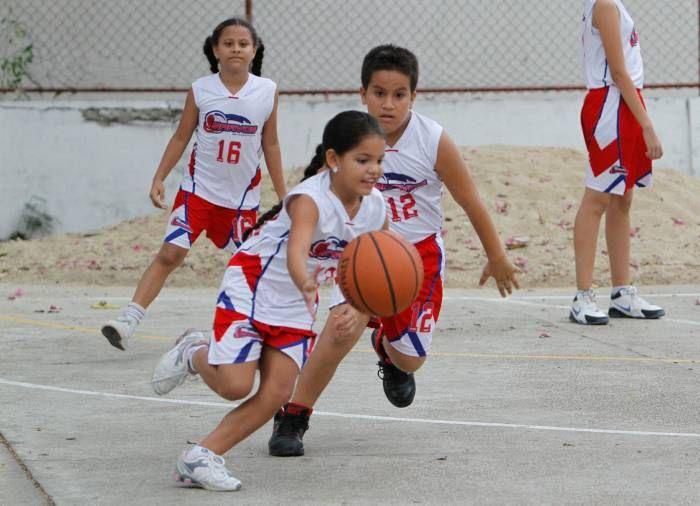 La Escuela Bravos de baloncesto apunta muy alto