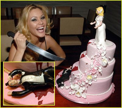 I Ve Always Collected Pictures Of Unusual Wedding Cakes Here Are Some My Latest Strange Weird And Just V
