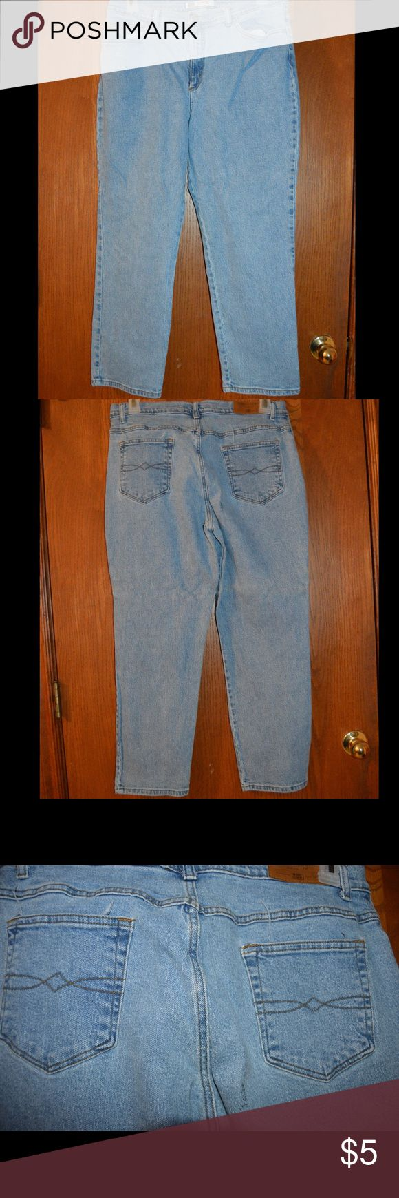 "Faded Glory jeans 98% cotton 2% spandex, FG stretch blue jeans in good condition. No holes in pockets or jeans. Inseam measured 27"". Was $12 now $5. #67 Faded Glory Jeans"