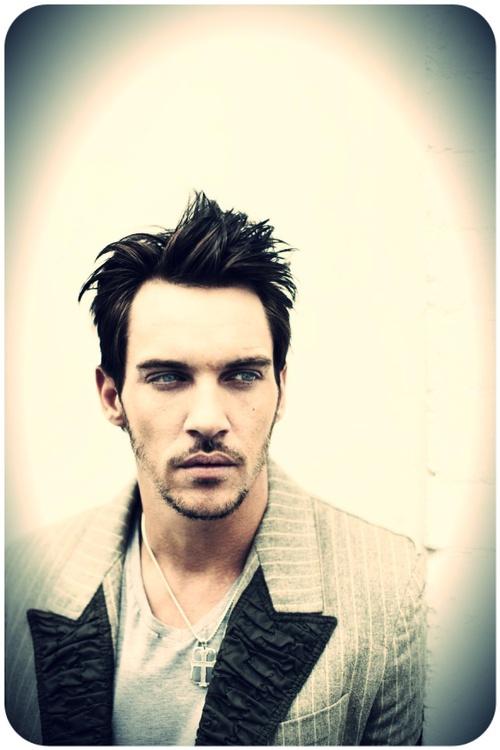 50 best Blue eyes Dark hair men! images on Pinterest ...