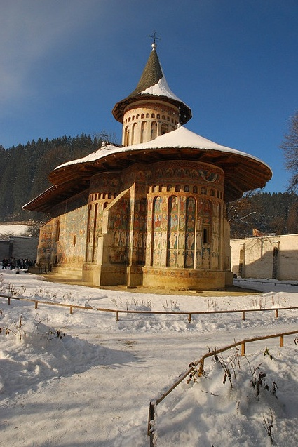 Voroneț Monastery, Romania - via http://www.flickr.com/photos/28951908@N07/3095121450/