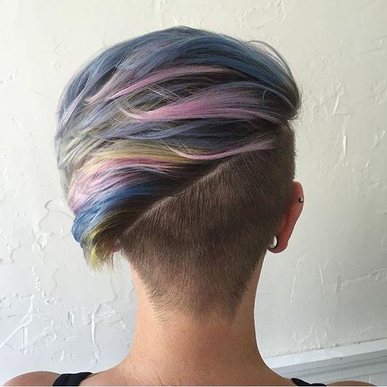 Lass das Tier in Dir los und wähle den neuesten Haartrend … Unicorn Hair! Hast Du den Mut Deine Haare nicht mehr nur Grau, sondern in allen Regenbogenfarben zu färben? - Seite 10 von 11 - Neue Frisur