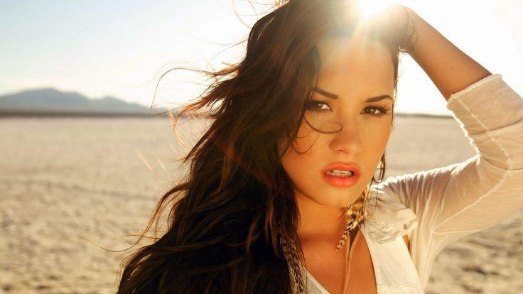 Celebrities Demi Lovato Wallpaper