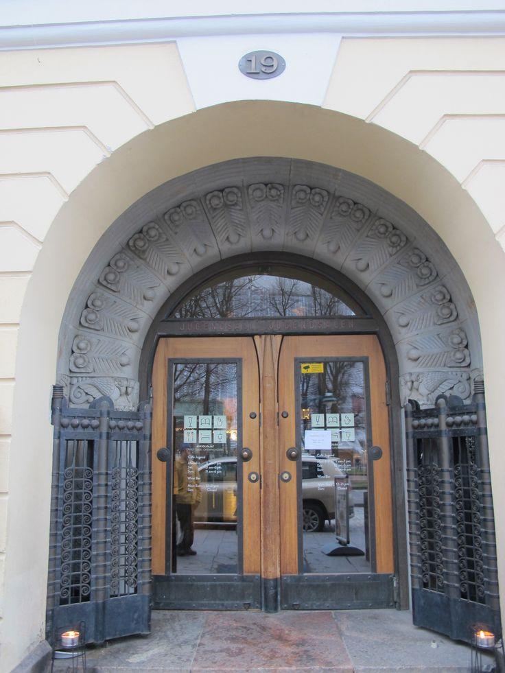 Ashcan Cafe Jugend is set in a beautiful Art Nouveau building at Pohjoisesplanadi 19, Helsinki
