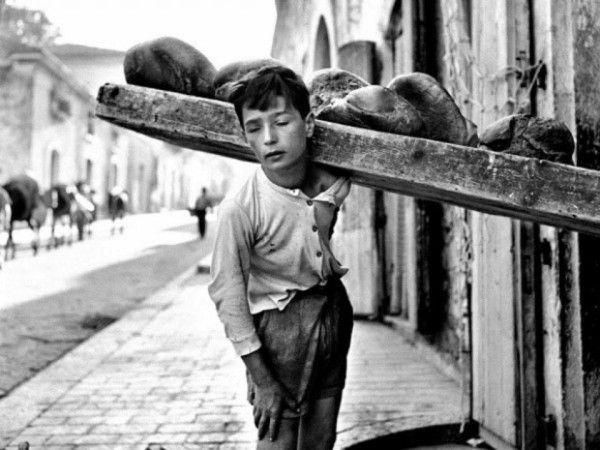 Repartidor de Pan.                                                              Italia 1926.