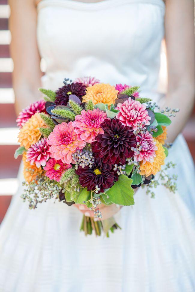 Boda, otoño, vestido #MiBoda #novias #ideas #inspiración #otoño #vestido #ramo #bouquet