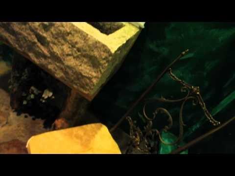 www.sixlove.it - La pergola d'uva e i profumi della natura accompagnano all'ingresso della zona  notte, con le sue botti autentiche. Improvvisati sommelier di tutti i piaceri pregiati e nascosti, si va alla ricerca di degustazioni esclusive e fuori dall'ordinario.  Le bollicine invitano a immergersi in un grande tino di rovere. Il piacere sensoriale raggiungerà l'apice in un bagno di vapore cromatico.