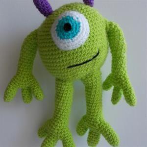 Πλεκτή χειροποίητη παιδική κούκλα! Βρείτε περισσότερες στο http://www.shopigen.com/kouklomania