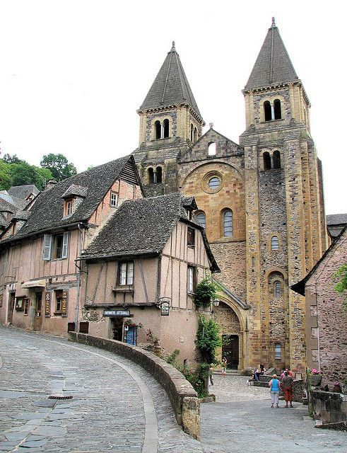 432 best images about france architecture on pinterest for Architecture romane