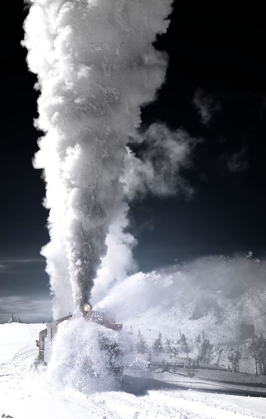 gentlemanfisherman:  Train Skagnoy. Alaska.
