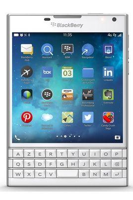 Mobile nu Blackberry PASSPORT BLANC pas cher prix Smartphone Darty 599.00 €