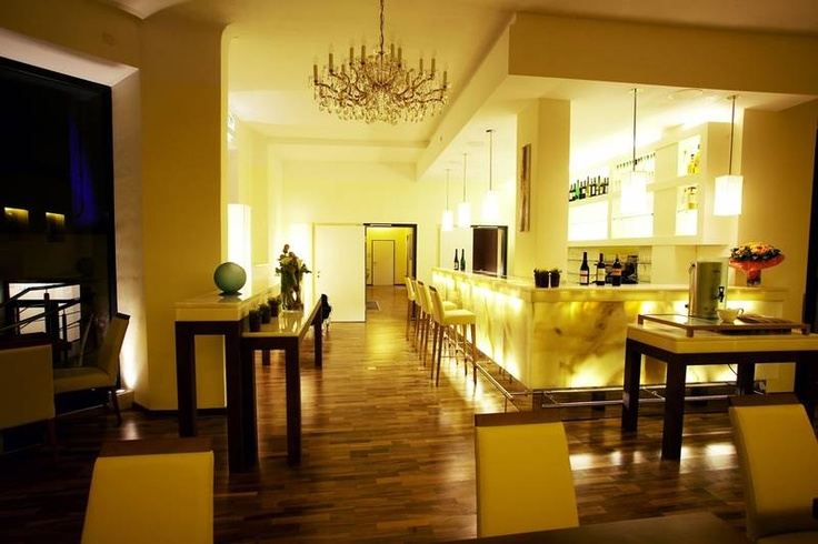 Guide to best Vienna Hotels - Rathaus Wein & Design Hotel Vienna