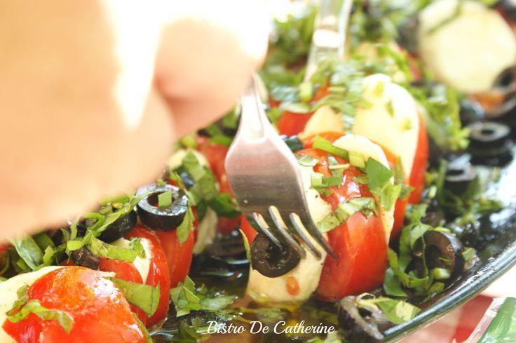 Sałatka z pomidorów i mozzarelli #BistroDeCatherine