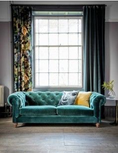 El Setara Emerald Green Velvet Chesterfield Sofa