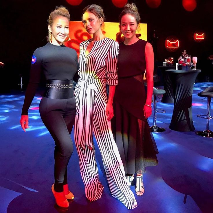 What a memorable night at the Alibaba cocktail party on 11/9 😝@victoriabeckham @houpatty 😍😍😍😍😍😍😍😍😍😍😍😍I want that stripe outfit!!!! 雙十一夜狂歡夜酒會#alibaba #double11 #cocktailparty #greatfun #jackma #kobebryant #davidbeckham #onerepublic #whatanight #❤️❤️❤️