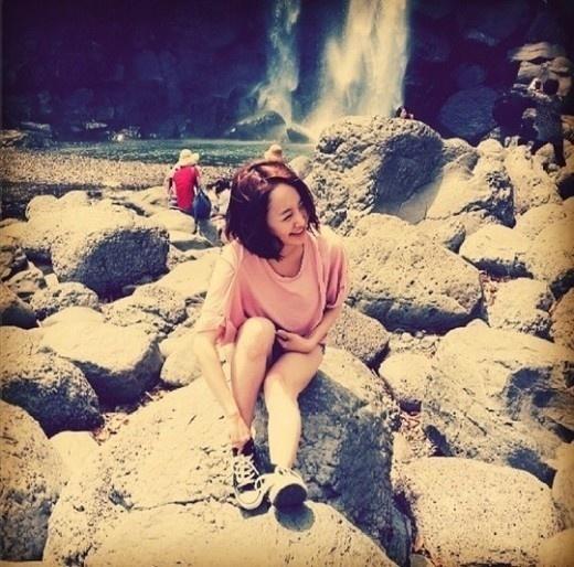 "KARA ニコル、済州島での休暇写真を公開""明るい少女の笑顔"" - PICK UP - 韓流・韓国芸能ニュースはKstyle"