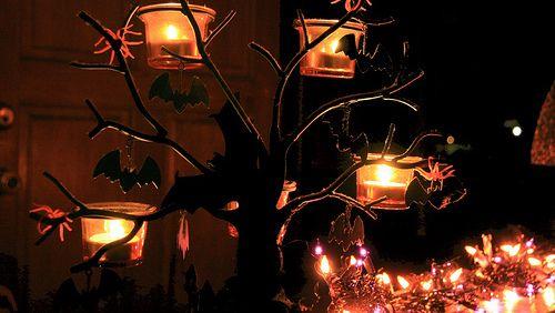 Tag de Halloween | La Cafetería de Audrey   Buenas bigotudos!  Como bien sabréis esta noche se celebra Halloween que para los curiosos en realidad es una fiesta que proviene de la cultura celta bajo el nombre de Samhain. El Samhain venía a ser como una especie de año nuevo y en ella se celebraba el fin de la temporada de cosechas nada que ver (aparentemente) con lo que celebramos hoy en día. Por ello he decidido traeros al blog un tag que las chicas de La Cafetería de Audrey han enviado a…