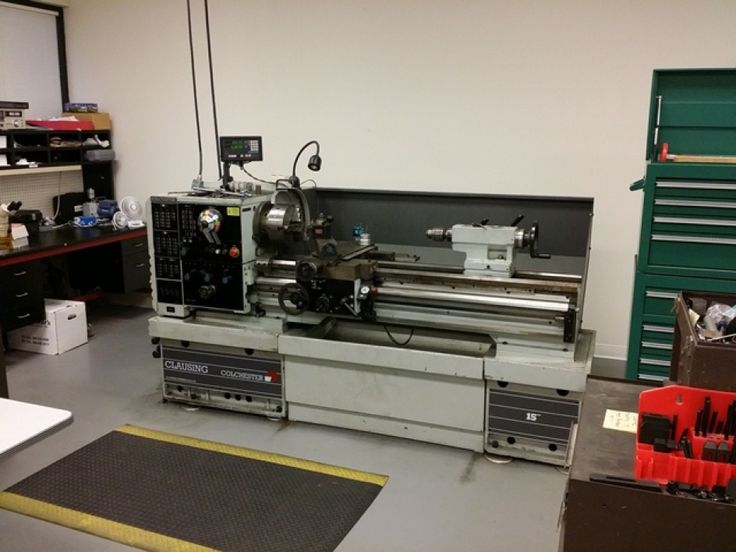 1999 Clausing 600 15  Manual Lathe s/n TG0358, Aloris CXA Quick Change Toolpost   misc holders Taper attachment 2 axis T