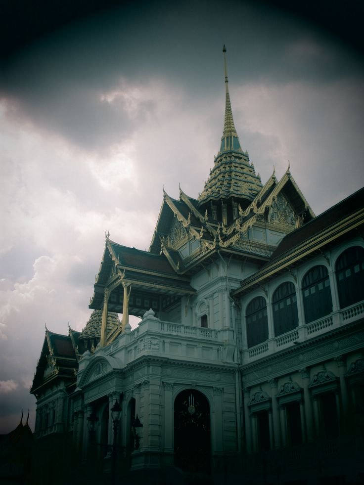 "an artistic building, a place called home for Thai's King and royal family, the ""Grand Palace"" Bangkok, 18 May 2013"