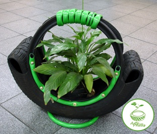 Nice planter from an old tire                              …