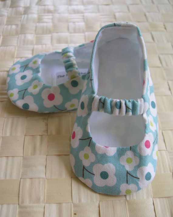 Mary Janes with elastic strap