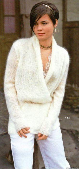 Пуловер спицами с запахом из белого мохера - Онлайн-журнал о вязании и кулинарии