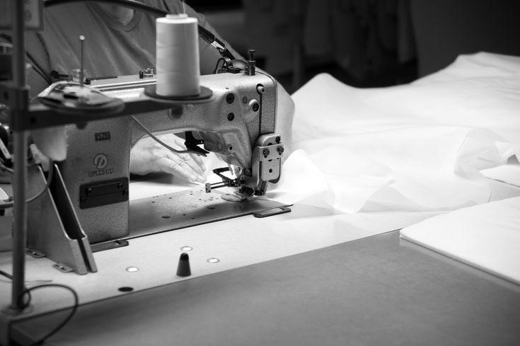 Työvaihe: Ompelu | Craft: Sewing Tuotantolinja: Sohvat | Production line: Sofas  #pohjanmaan #pohjanmaankaluste  #craftsman #craftsmanship #handmadefurniture #furnituremaker #furnituredecor