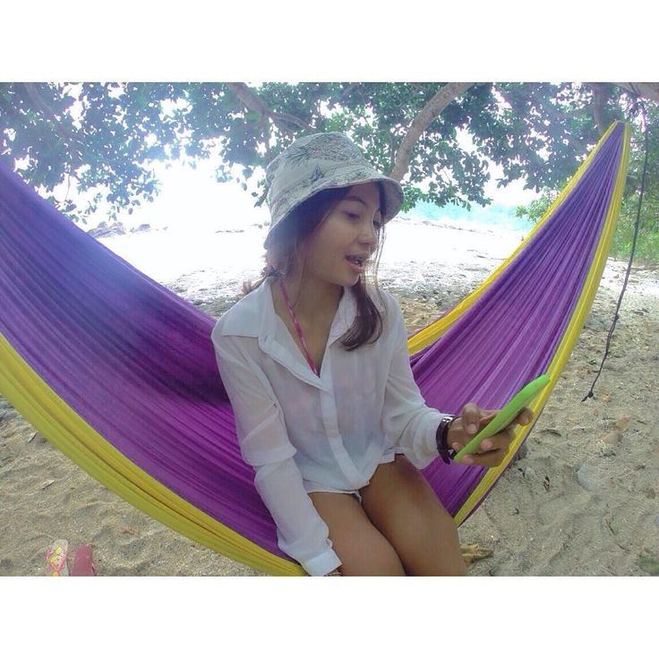 Life is a twinkling of an eye Yet filled with sorrow and compassion though not imagined All things that happen.... will age too old Though gold  (Stevie Wonder) - Stay Gold!   .  #peacefulplace #paradise #wonderfulafternoon #tickettothemoon #hammockingaround #hammocklife #islandlove #goodmood #goodplace #goproeverything #hiddenparadise #hammocking #seashoresweet #lifesabeach #peacelovehappiness #vitaminsea #happiness my #traveldiaries  by @parisudhadienar
