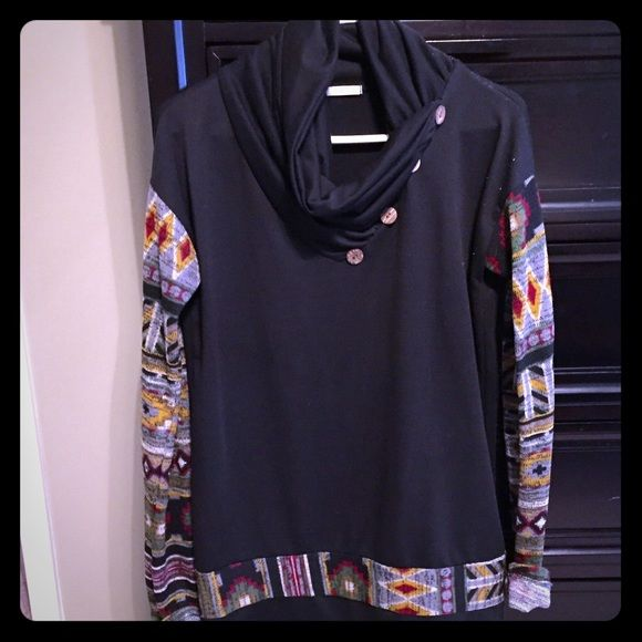 Modern vintage boutique swoop neck Aztec print long sleeve . Very  flattering on and goes perfect with leggings or skinny jeans ! Modern Vintage Boutique Tops