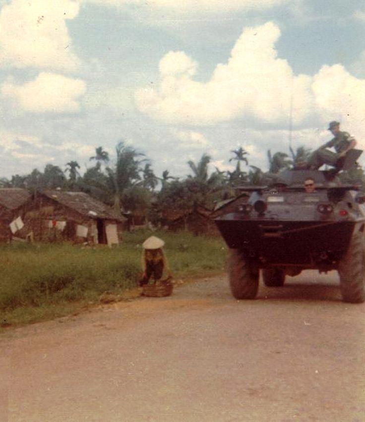 Dec.1969 Mekong Delta Long Xuyen area 52nd Sig Bn.