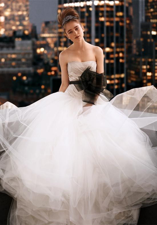 38 best saia de tule images on pinterest tulle skirts for Vera wang princess ball gown wedding dress