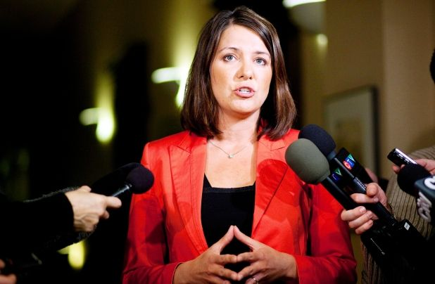 Wildrose can govern for majority, Danielle Smith says Party cares about more than just fiscal restraint #ableg #wrp #Alberta