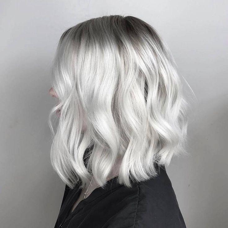 Blonde Perfektion von @thestellarstylist.  Wer will auch in #Silberblond erstrahlen? #OLAPLEX #olaplexdeutschland #olaplexgermany