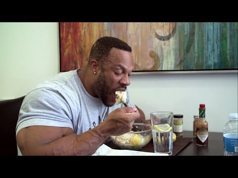 Phil Heath Explained About Functional Eating - YouTube