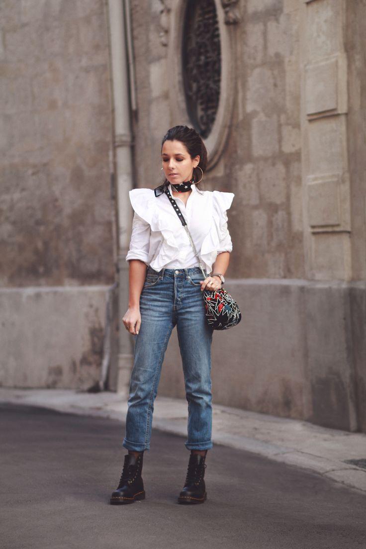 Chemise volants Jean relaxed taille haute H&M Dr Martens Sac sequins Zara Look blog mode tendance Le Petit Monde de Julie