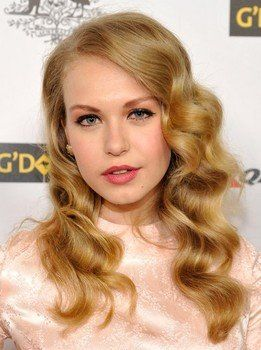 Penelope Mitchell love the waves, so pretty!