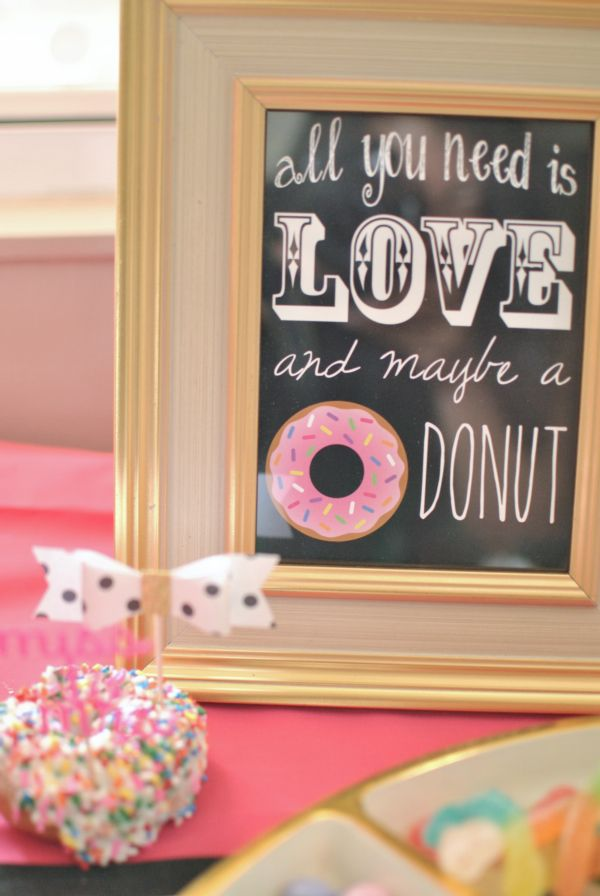love donuts and this kate spade themed bridal shower the bow is adorable too