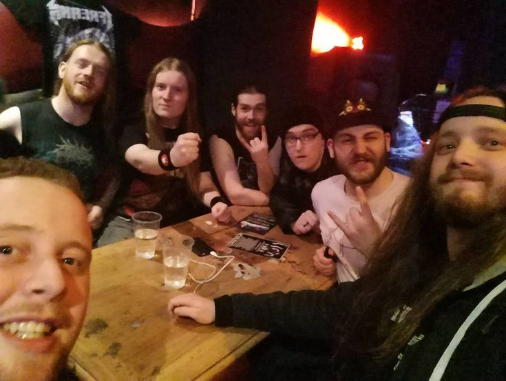 The lads from @ifreannofficial killed it on Thursday at @metal2themasses. One step closer to playing at @bloodstockopenair and I cannot wait to see them again. Top guys and amazing #thrash music :) Give them some love and a follow 🤘💜 .  #thrashmetal #metal #bloodstock #metal2themasses #ifreann #gig #longhair #band #hangs #metalhead