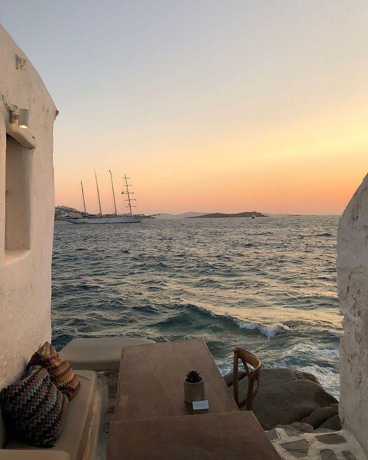 """Schlag auf Instagram: """"Thalassophile; ein Liebhaber des Meeres. Jemand, der das liebt"""