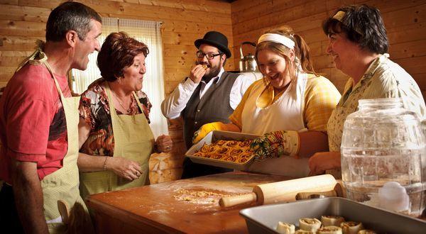 Acadian Recipes | Taste Our Acadian Cuisine | Tourism New Brunswick : Chicken Fricot (Fricot à la poule), Cinnamon Rolls (Pets de soeur), Clam Pie (Pâté aux coques), Dried Cod Fishcakes (Galettes à la morue sèche), Mashed Turnips and Potatoes (Mioche au naveau), Meat Pie (Pâté à la viande), Pie crust (Croûte à Pâté), The Ploye (La Ploye), Poutines with a Hole (Poutines à trou), Pulled Molasses Taffy,White Taffy