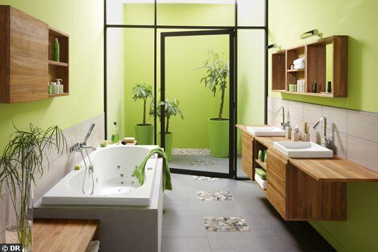 Bois et galets pour cette salle de bains. http://www.m-habitat.fr/par-pieces/sanitaires/idees-deco-et-amenagements-pour-une-salle-de-bains-2682_A
