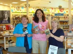 Three Nimbus authors Helene Boudreau, JoAnn Yard, Laura Best. JoAnn and I finally got to meet Helene.