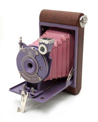 Kodak Petite [http://www.blondeshotcreativeblog.com/2011/03/my-vintage-camera-collection.html