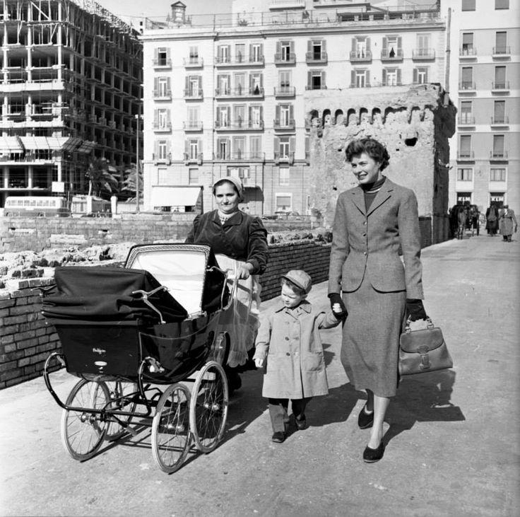 Ingrid Bergman, svéd színésznő választása is erre a táskára esett 1953-ban.