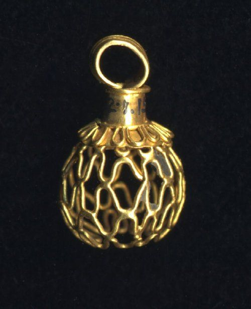 Gold Pendant 500-400 BC Cypro-Classical Height: 1.6cm (Source: The British Museum)