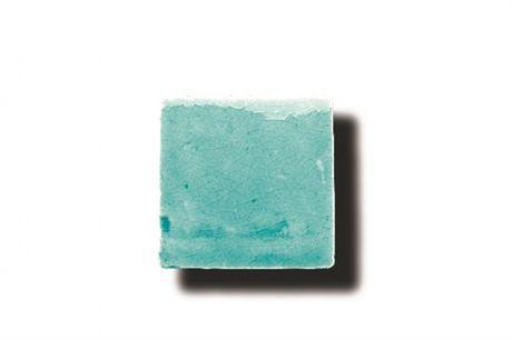 Acacia Verde Azulado. Italienskt handgjort kakel i 46 olika färgnyanser med naturliga skiftningar. Ledtiden är ca 3-4 veckor.