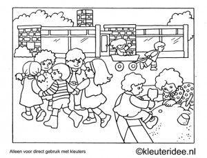 Kleurplaat kleuters spelen buiten, kleuteridee , Preschool playing outdoor coloring.
